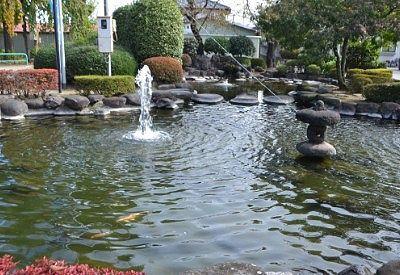 噴水のあった池