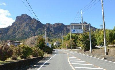 妙義山へ向かう道路