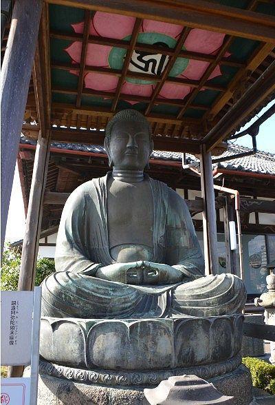 銅造阿弥陀如来坐像の大仏