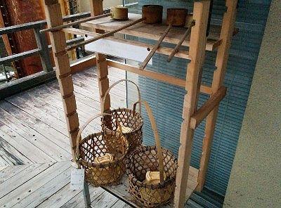 柄杓と温泉卵の籠