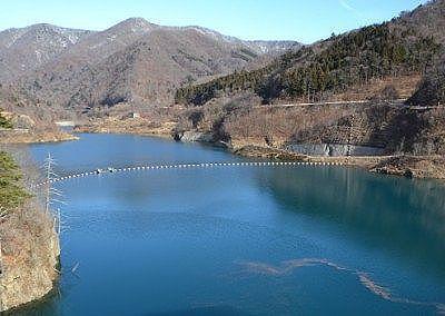 奥四万湖の景色