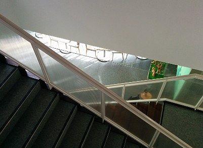 近代的な階段