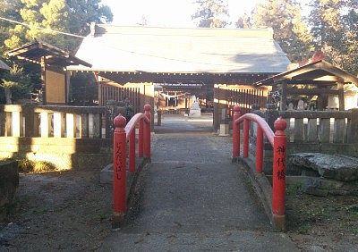 神代橋と随神門