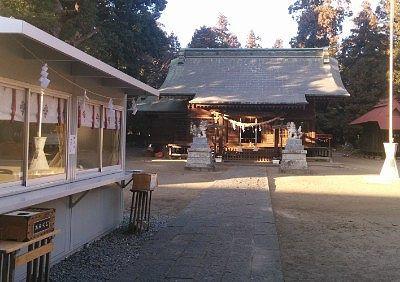 神符授与所と拝殿