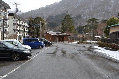 滝見橋と滝見公園専用の無料駐車場