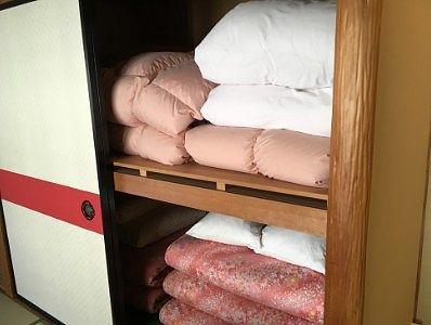 部屋の布団