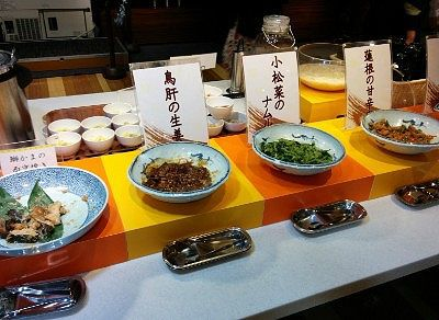 ブリカマの西京焼き、鳥肝のショウガ焼き、小松菜のナムル