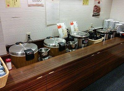 カレー、白米、すまし汁、蟹汁、蟹飯