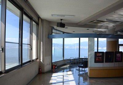展望室と窓からの景色