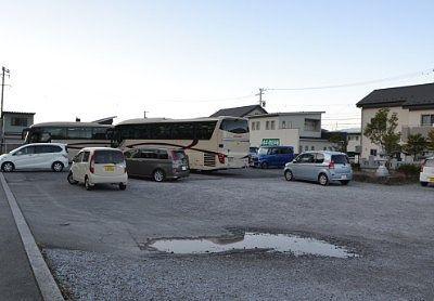 広かった諏訪大社前宮駐車場