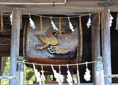 神楽殿の中の大太鼓