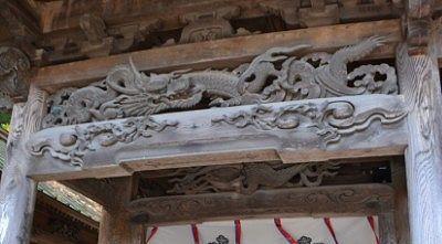 入口御門の龍の彫刻