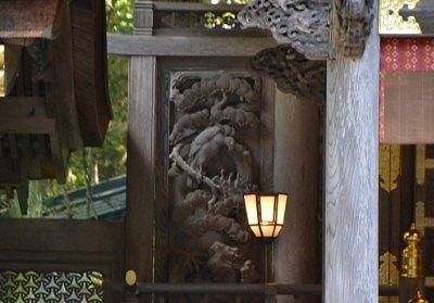 右片拝殿の彫刻