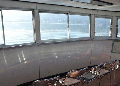 2階展望室のガラス窓からの景色