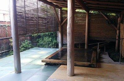 大きい方の露天風呂2