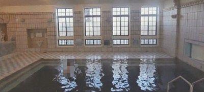 プールのような大きさの千人風呂