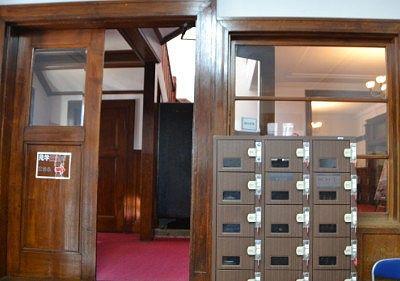 片倉館の玄関