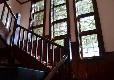 片倉館のレトロは階段