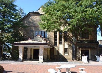 片倉館会館の外観