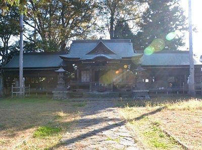 諏訪護国神社拝殿