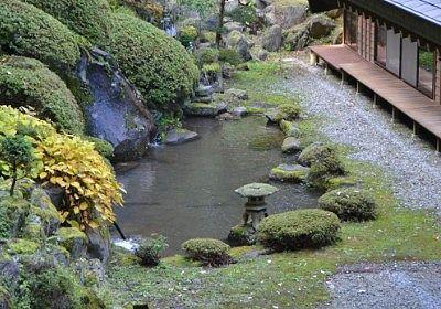 法華寺の池