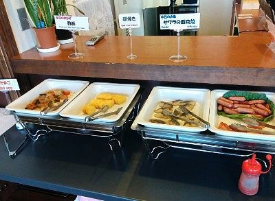 酢豚、卵焼き、サワラの西京焼き、ウインナー