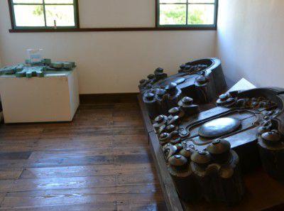 校舎を作った部材の元の寺の遺物