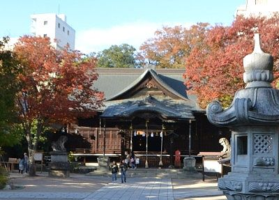 四柱神社拝殿