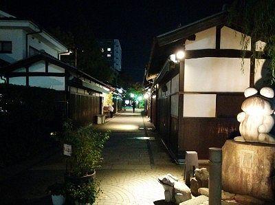 夜の繩手通り商店街