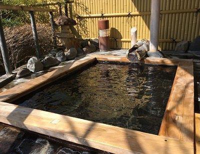 ヒノキの露天風呂の様子