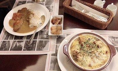 「チキンと舞茸の焼きチーズカレー」と「100年ライスカレーの虹鱒のフライ」
