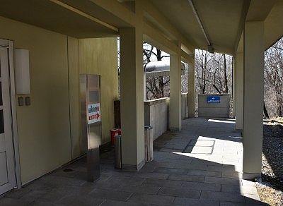 大江戸温泉物語日光霧降1階レストランからVIVAハワイアンまで連絡通路