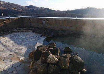 温泉露天風呂の様子