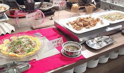 サーモンマリネ、鳥のからあげ、マーボー豆腐