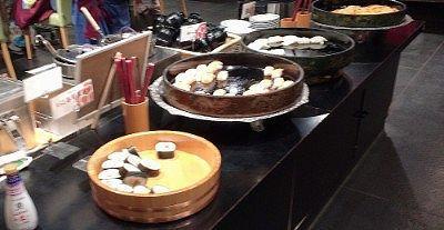 巻き寿司、サーモン寿司、タラ寿司、稲荷寿司、玉子寿司