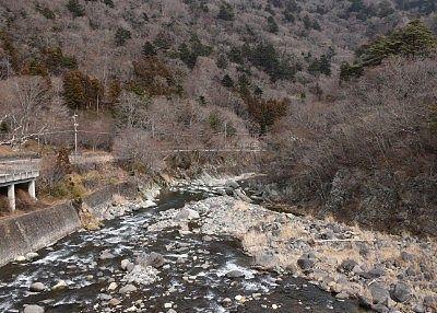 七ツ岩吊橋から見た下流の景色