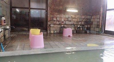 女湯の洗い場の様子