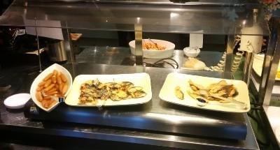 ウインナー、鮭や鯖の塩焼き、スパゲティミートソース