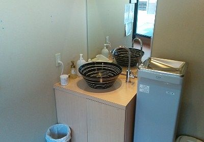 洗面台と冷水器