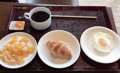 お替りしてきた朝食バイキング