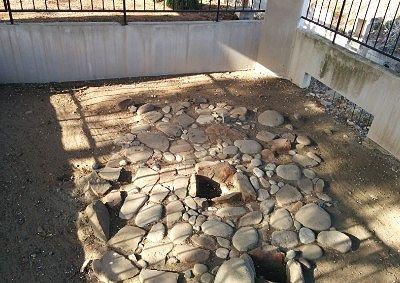生品神社敷石住居跡