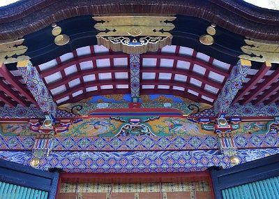 拝殿の装飾や彫刻