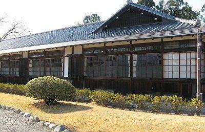 富岡市社会教育館の外観