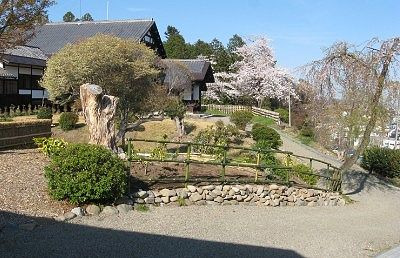 富岡市社会教育館の日本庭園