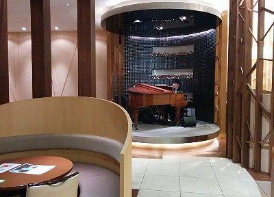ピアノの生演奏の様子