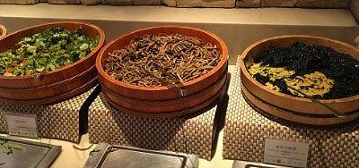海苔の佃煮、刻み漬け、きんぴら蒟蒻、たらこ、畑のお肉、花豆の蜜煮