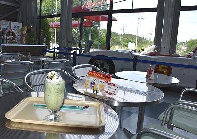 カフェで休憩中