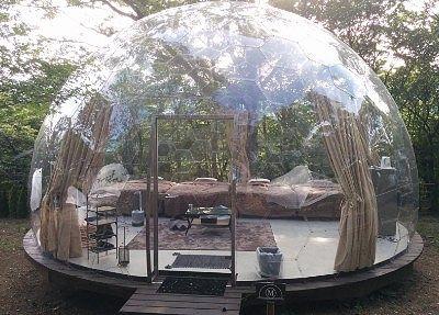 透明なドーム型テント