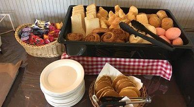 チーズパン、食パン、デニッシュモカ、ごまロール、モッチリノット、クロワッサン、いちごロール、パンケーキ