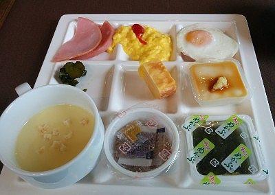 朝食バイキングでとってきた食事1